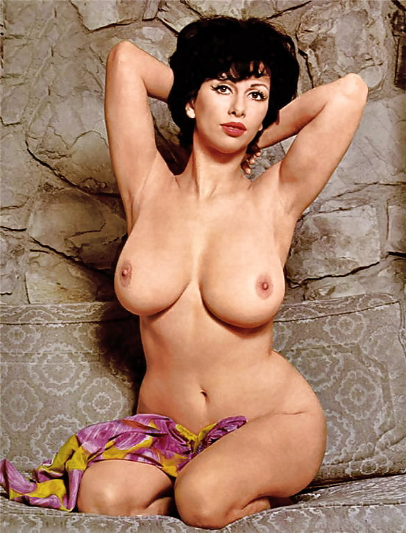 Paula Moore  nackt