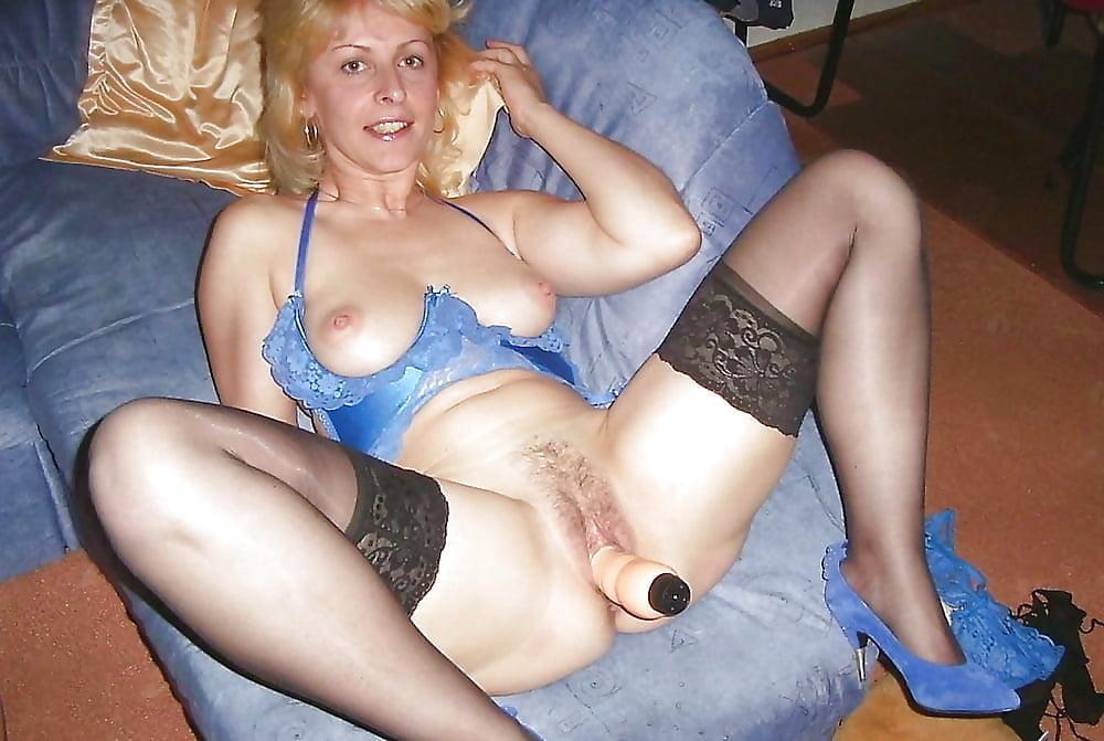 Naked mature amateur pics #1