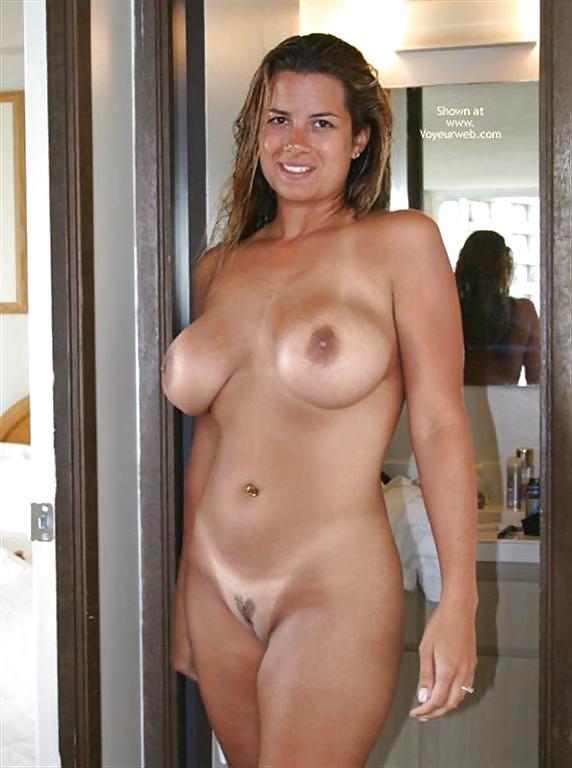 Classy naked moms — photo 7