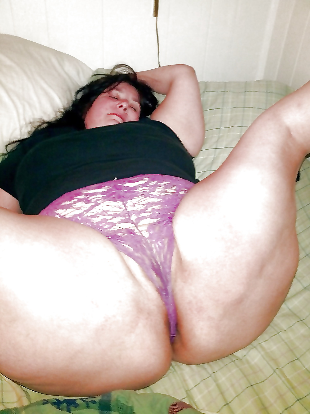 Chubby girls in nylon panties and bra images