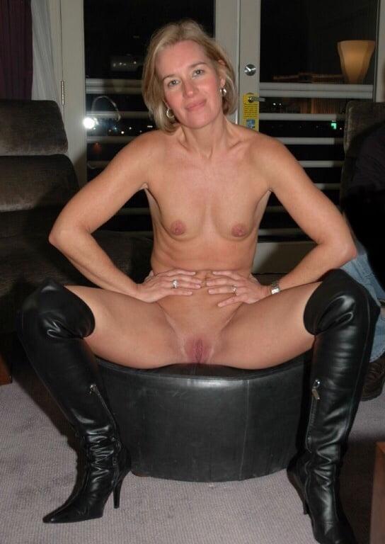 Lesbian milf pics-5642