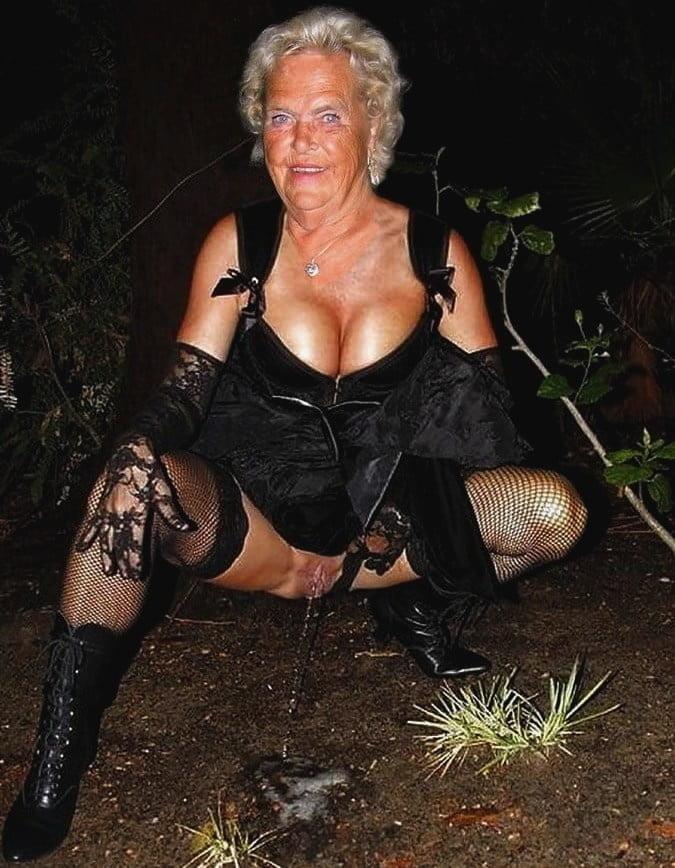 Horny older women near me-2065