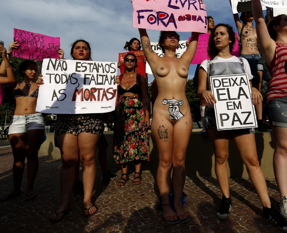 hot-pics-of-nude-protest