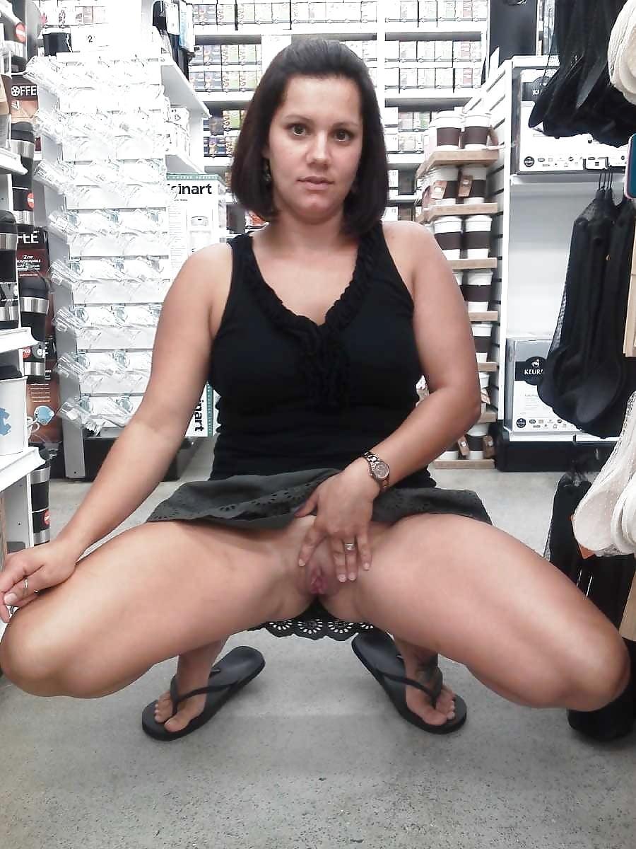 Exhib little slut, sexy women naked pics