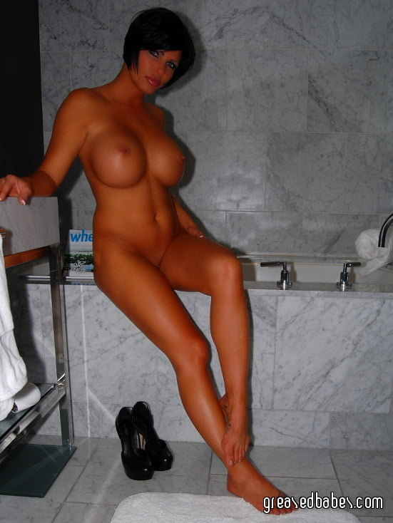 Naked MILF Shay Fox Bathes in the Shower - 14 Pics