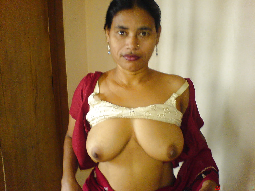sexy-naked-hot-hostel-aunties