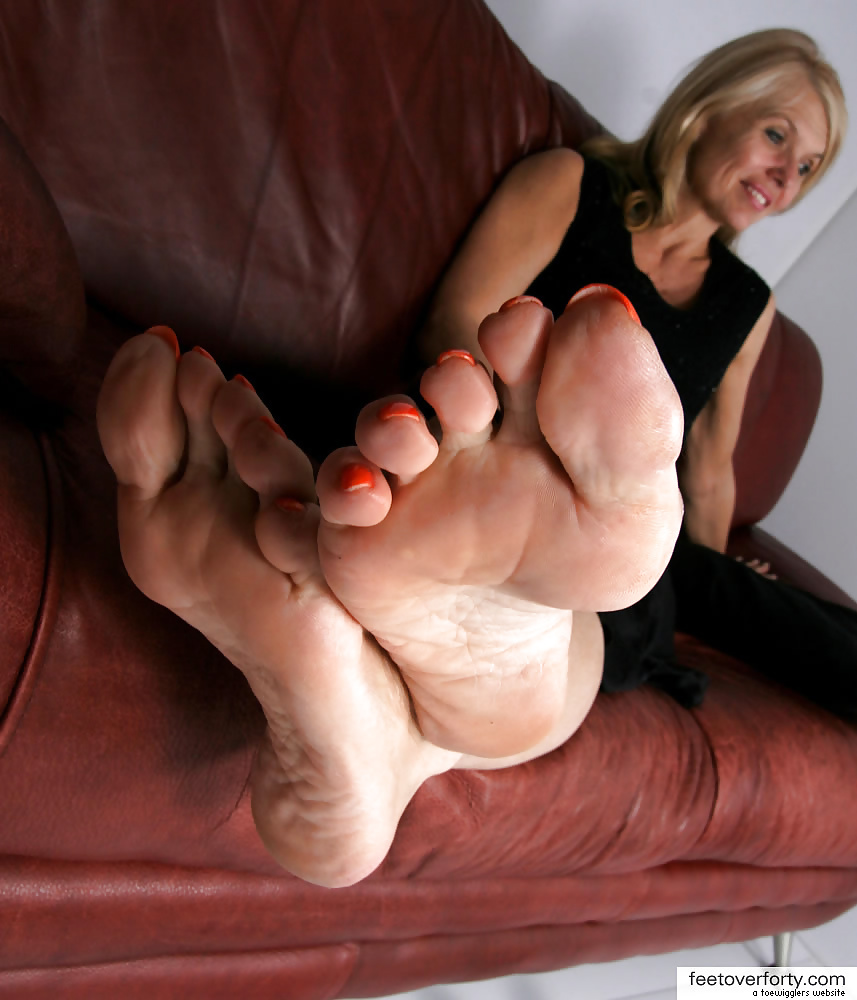 Mature foot milf
