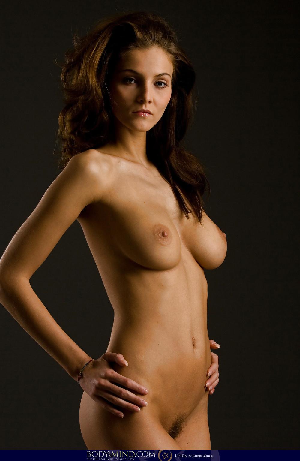 Milena Govich Nude Pussy