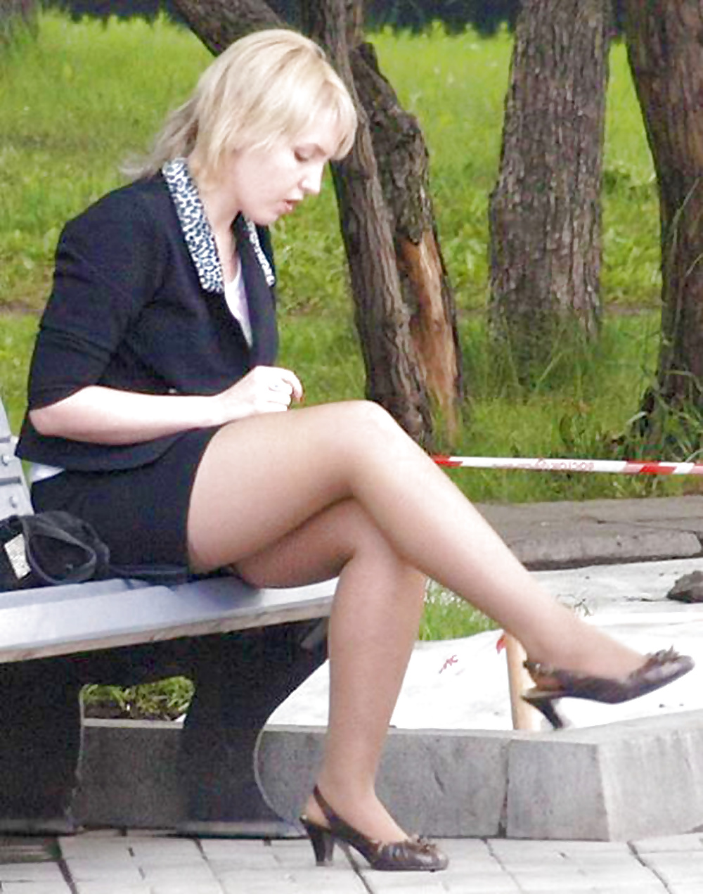 посетитель девушки в чулках подсмотренное охота драку лезть