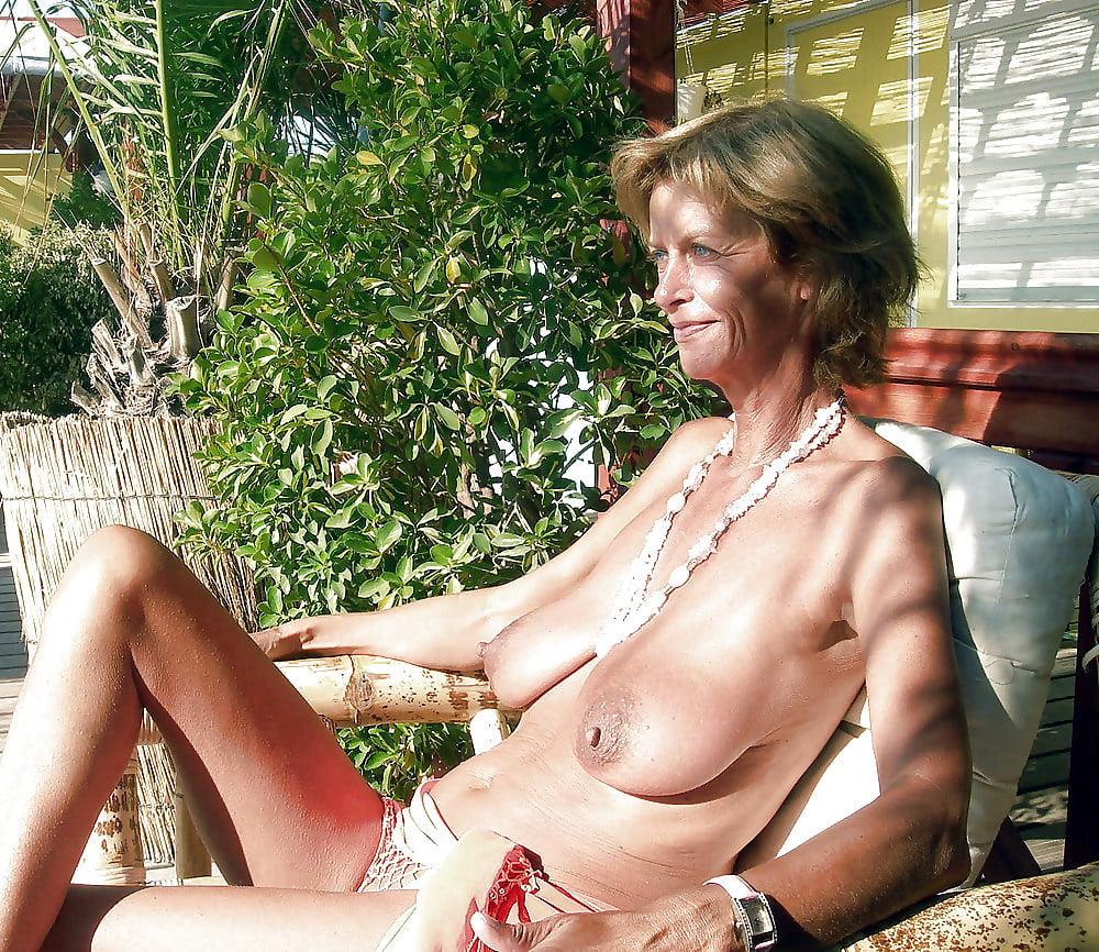 Saggy tits so hot - 13 Pics
