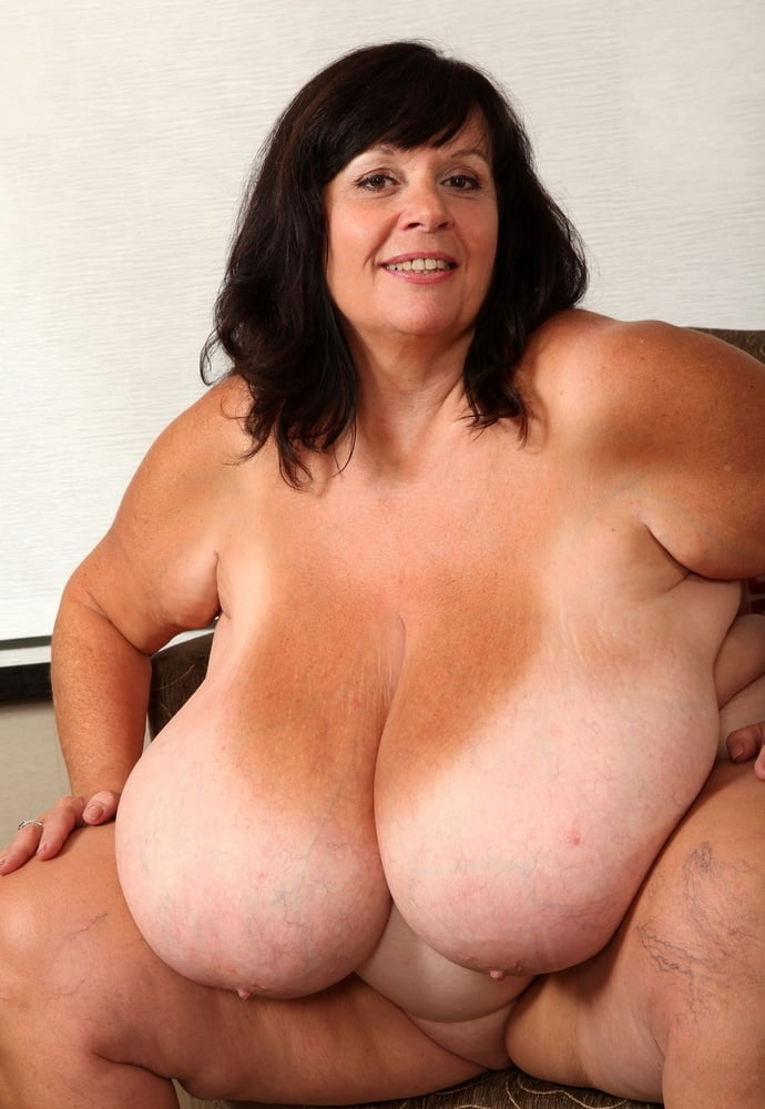 Bbw huge tits and fat pussy rubbing