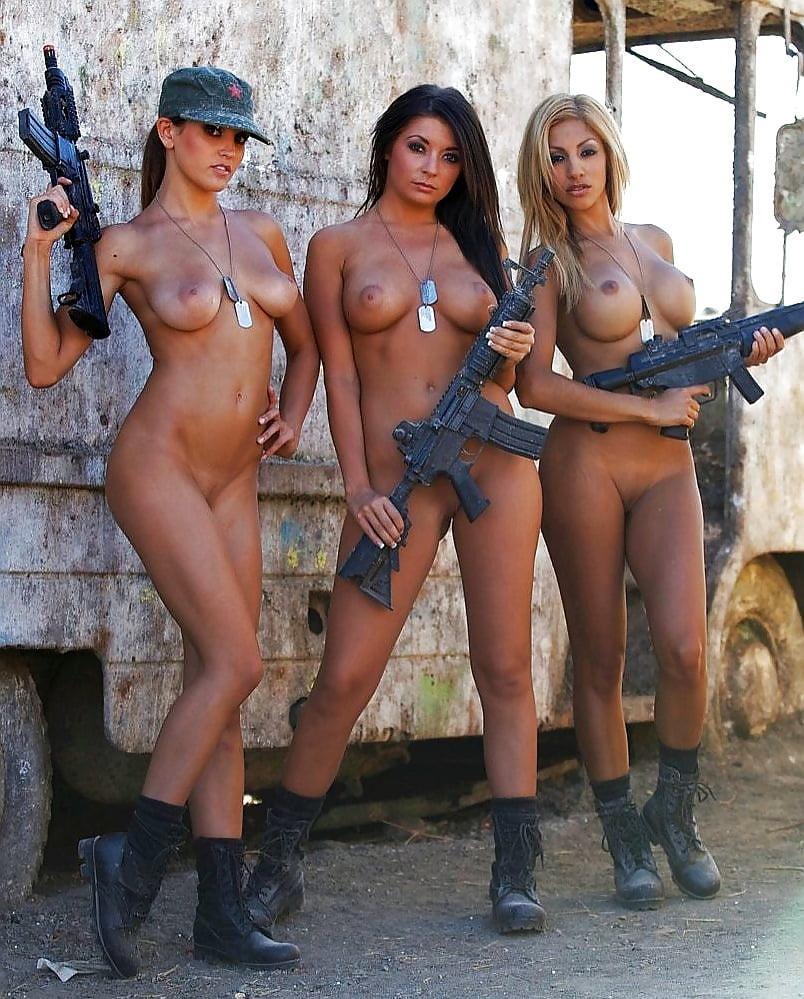 armeyskie-prikoli-seks-erotika-foto-klitora-u-starih-zhenshin