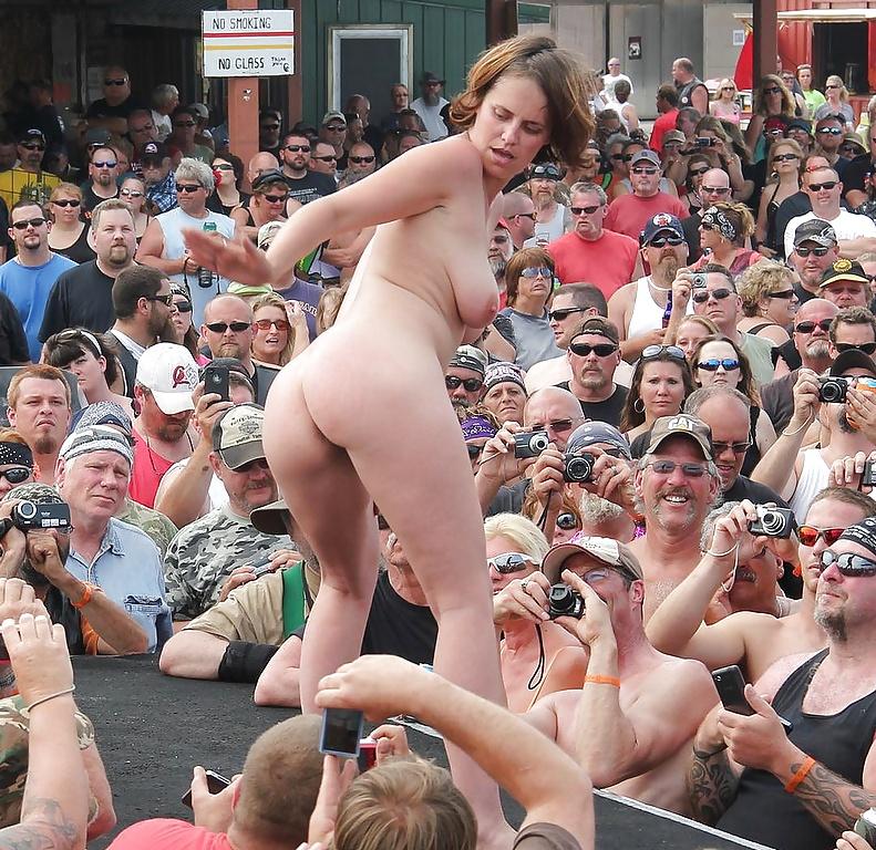 Фестиваль голых заднице #9