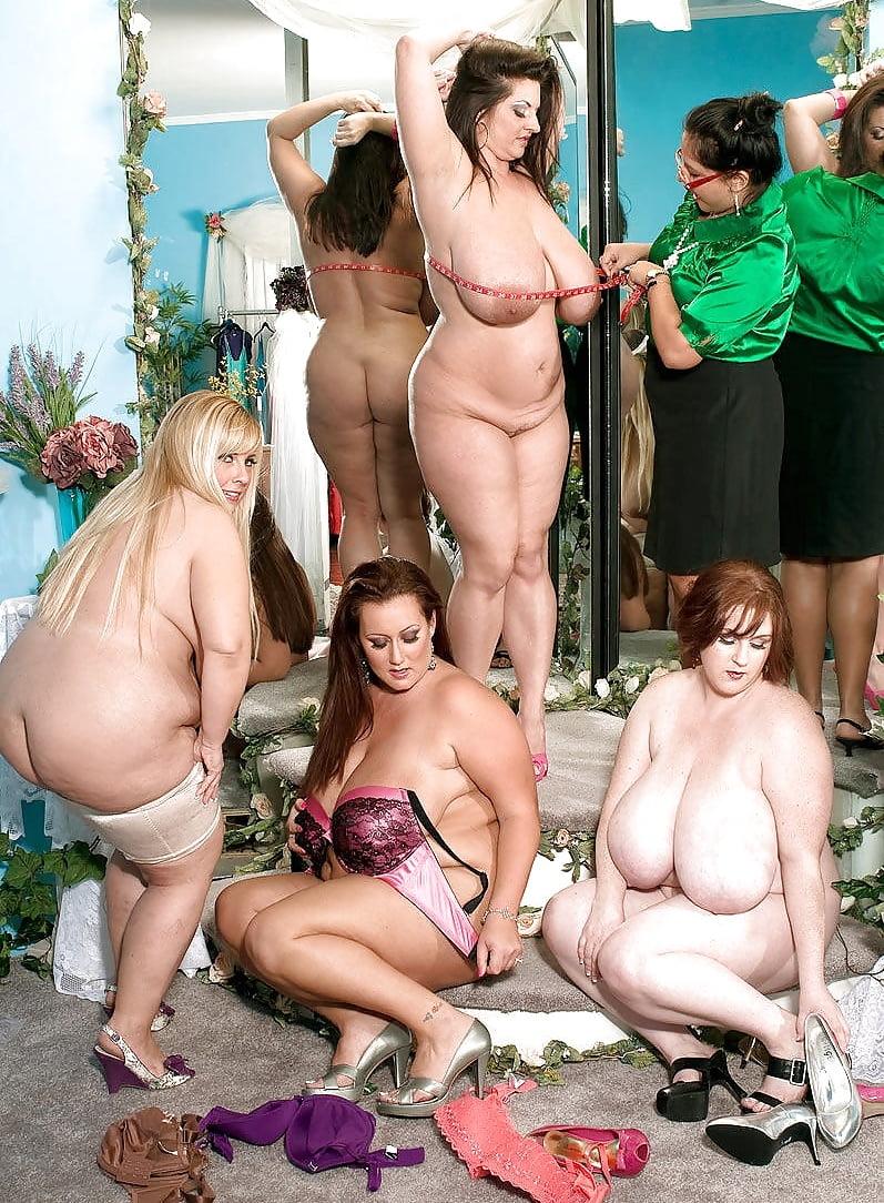 шоу обнаженных толстушек фото так остаются