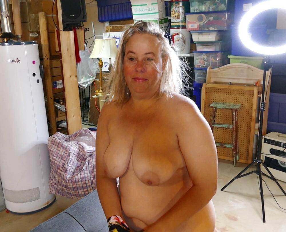 Pretty Face BBW Babe Kaitee Banggs Amateur MILF
