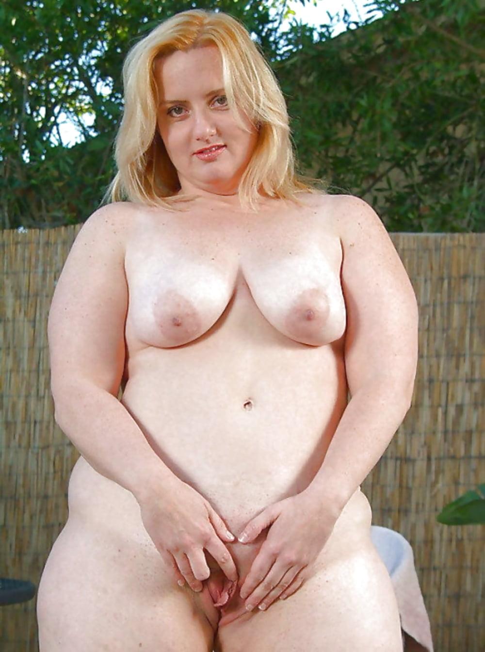 bbw-blonde-chubby-plumper