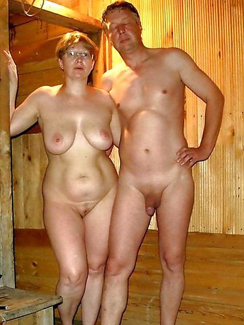 Голые мужики и бабы в бане фото лучше скачать