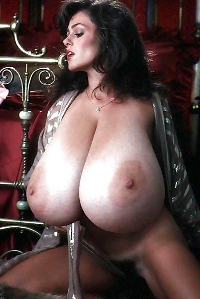 Мега Сиськи Порно Смотреть Бесплатно
