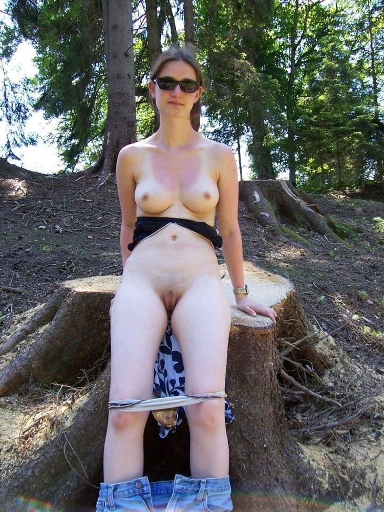 Nude amateurs outside — img 5