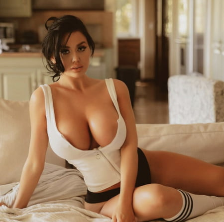 Becky Hudson Nude