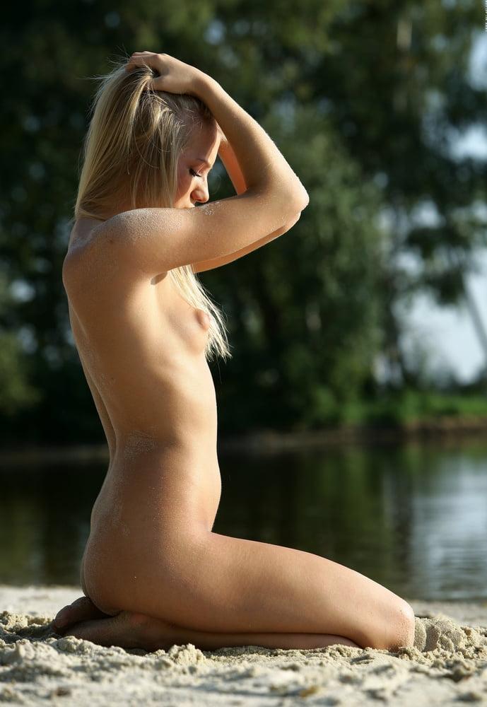 Sharon C Nude