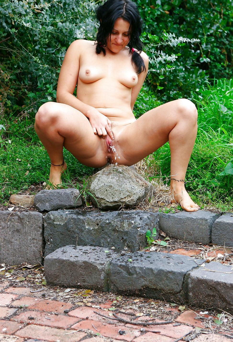 Nude peeing women