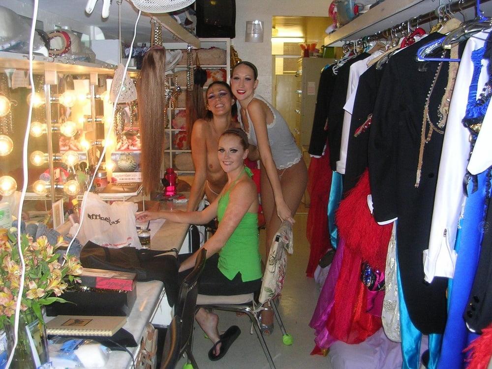 Fashion_Backstage