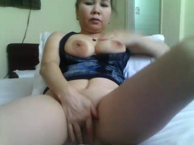 porno-silnimi-uzbechka-drochit-porno-kopilka