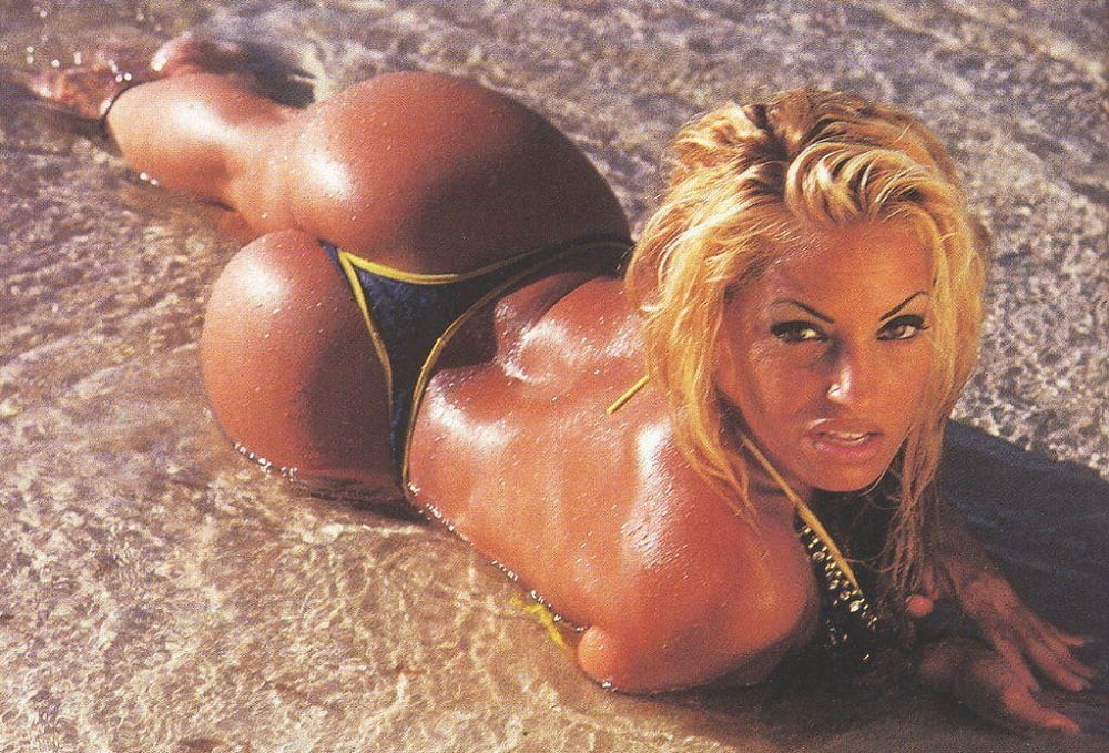 Trish stratus hot nude pusy image