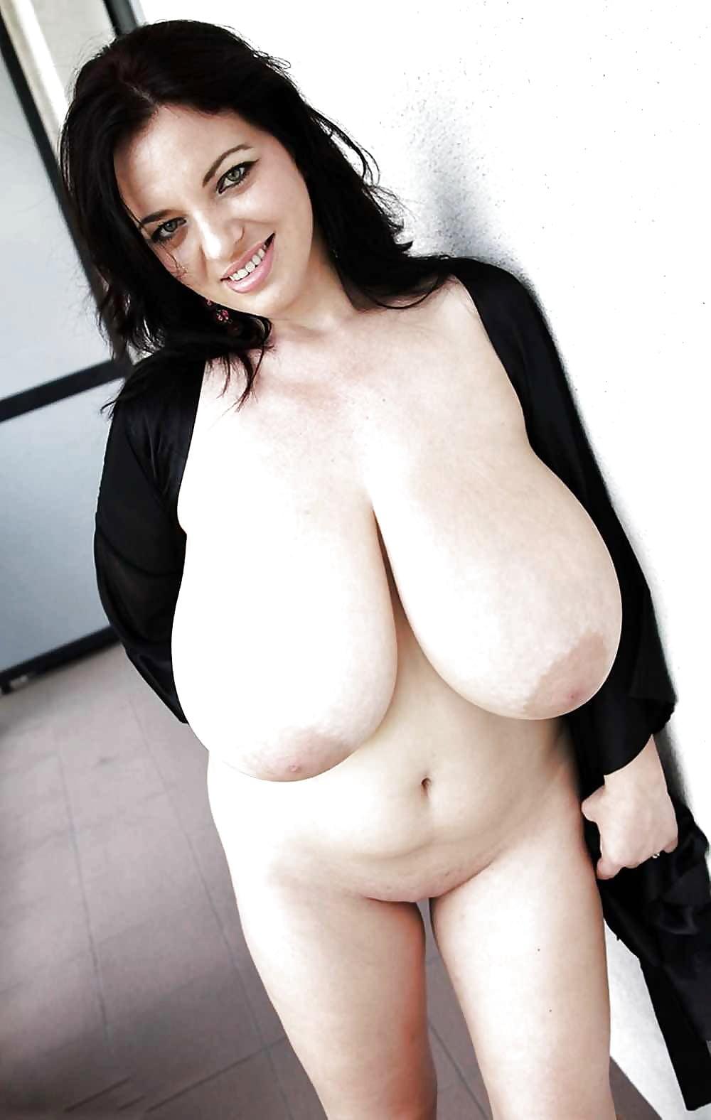 Big boobs cell nude — photo 5