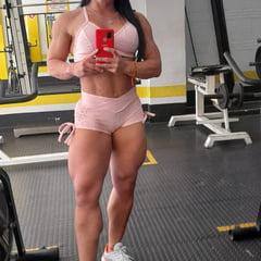 Female Muscle Selfies