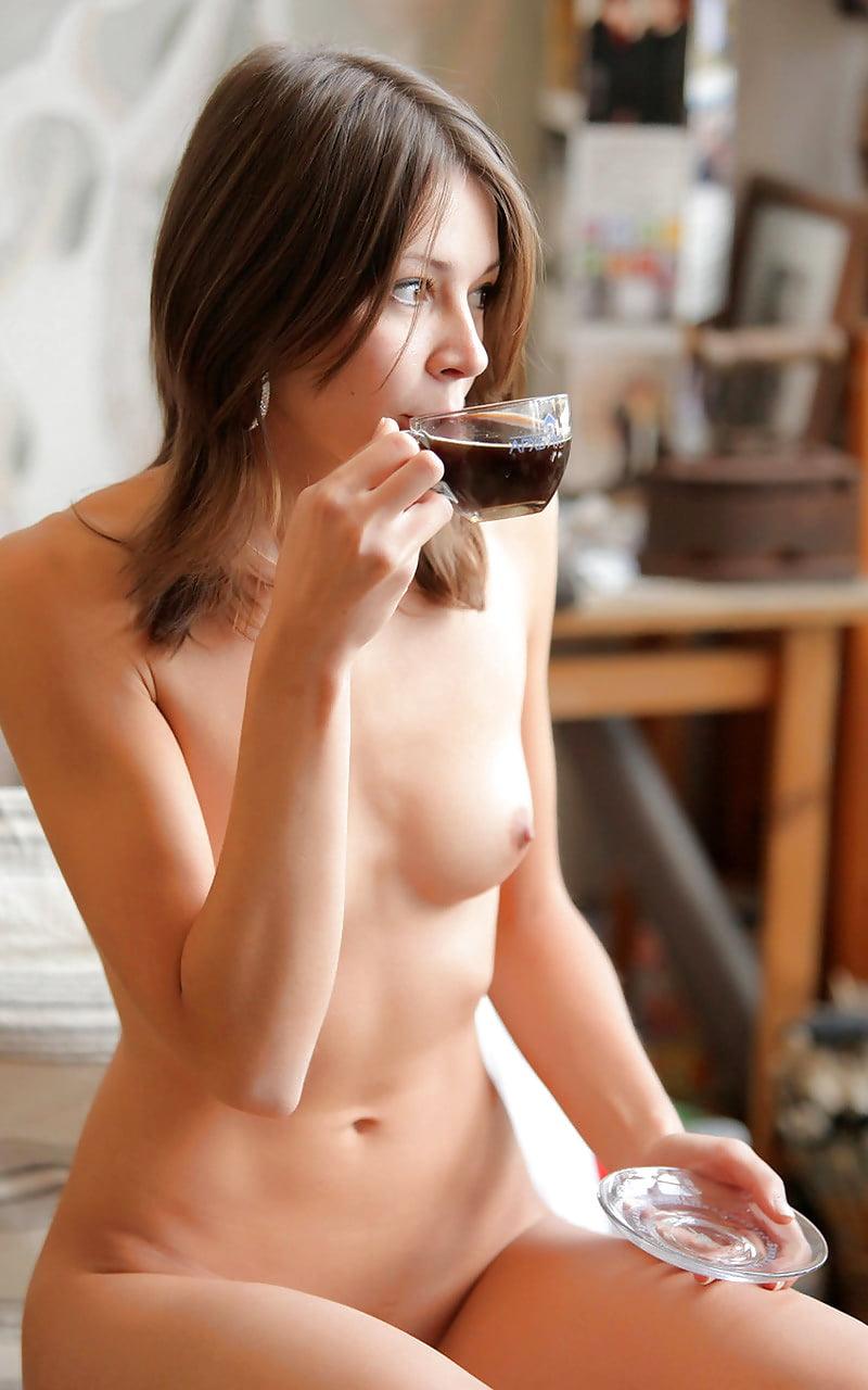 Nude Coffee In The Nude HD