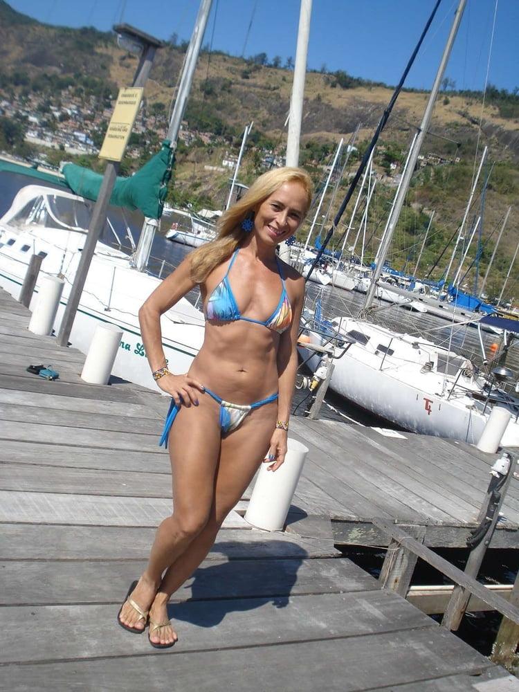 nn-women-adult-in-bikinis