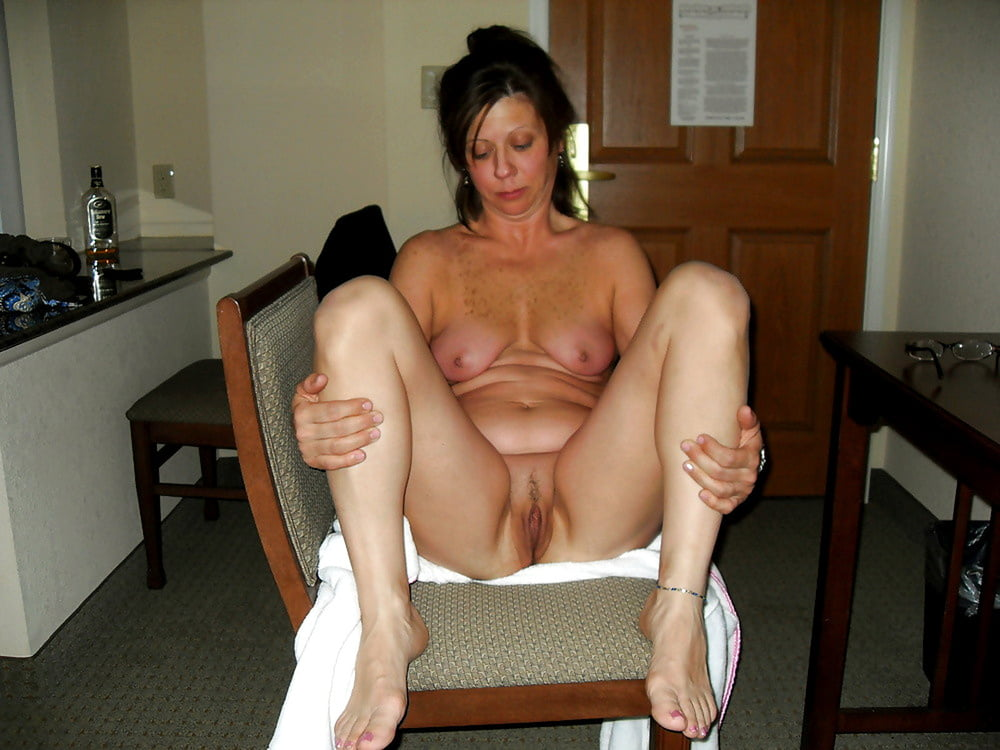 Free amateur, milf, housewife pictures