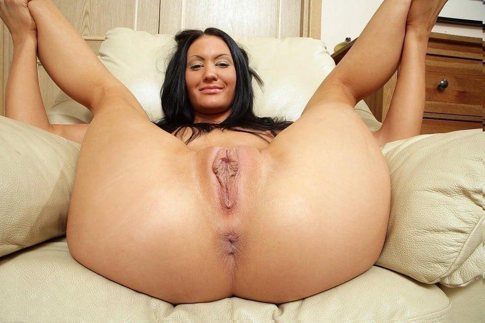 Amateur wife big ass spread