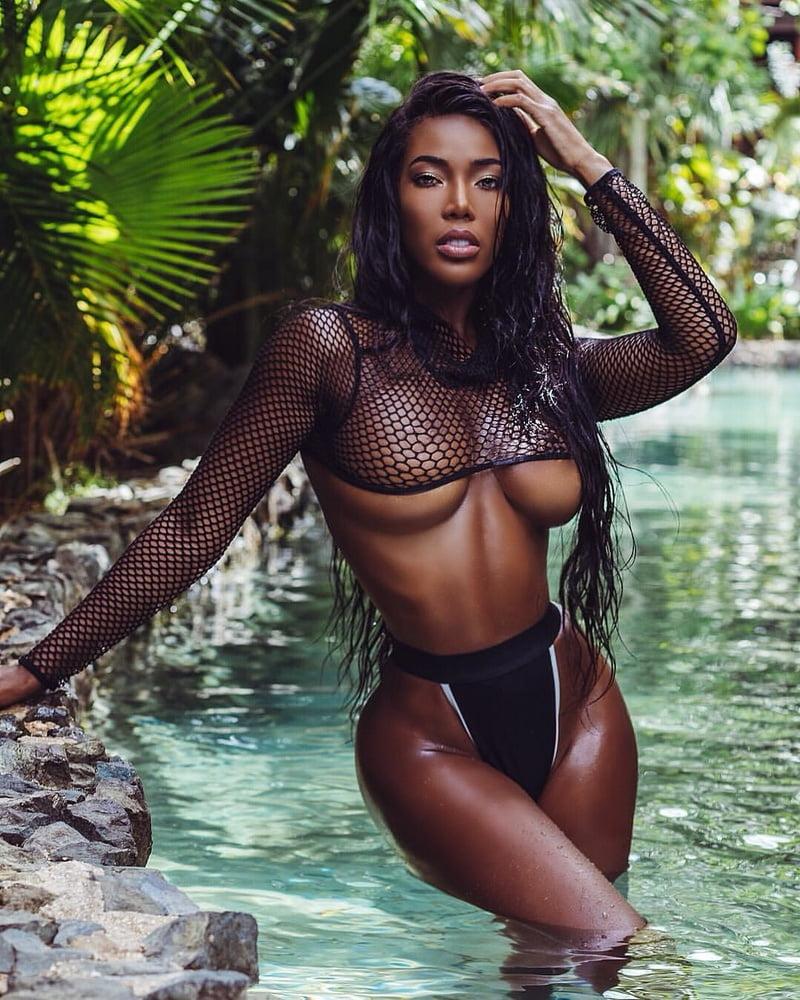 Naked Black Models In Thongs Pics