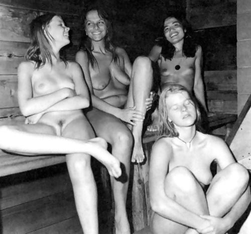 Кино ролики женщины в бане ретро