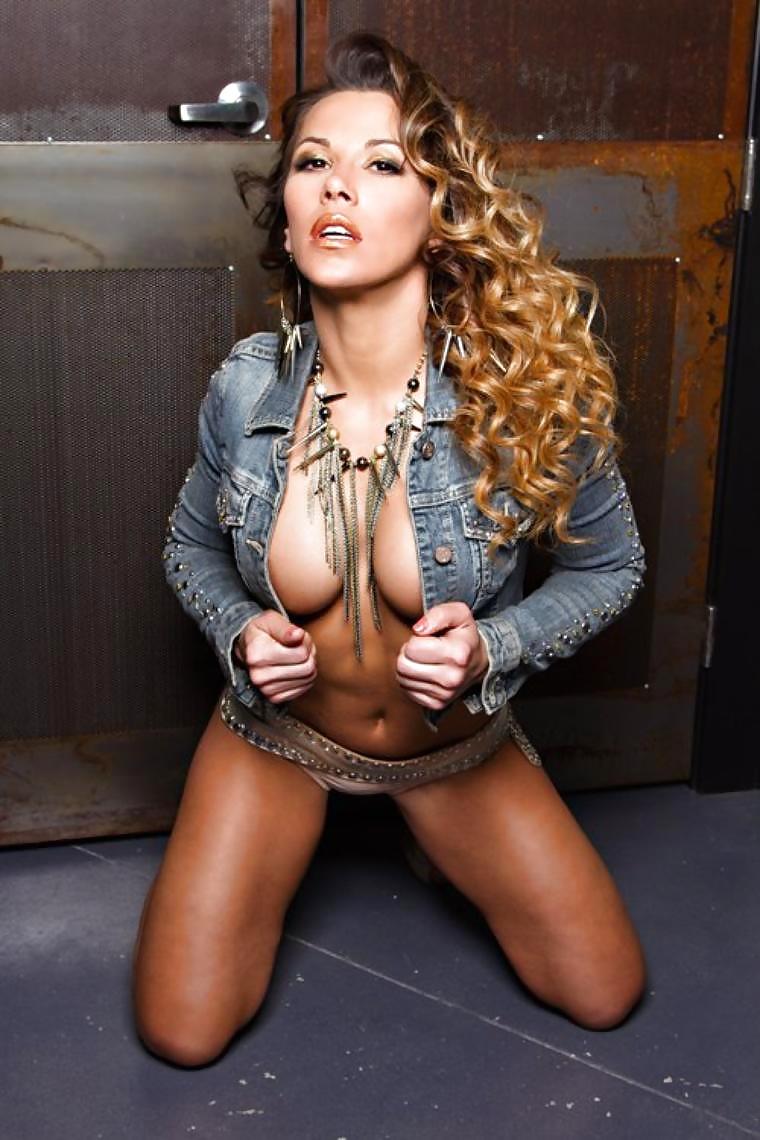 Mickie James filmy erotyczne