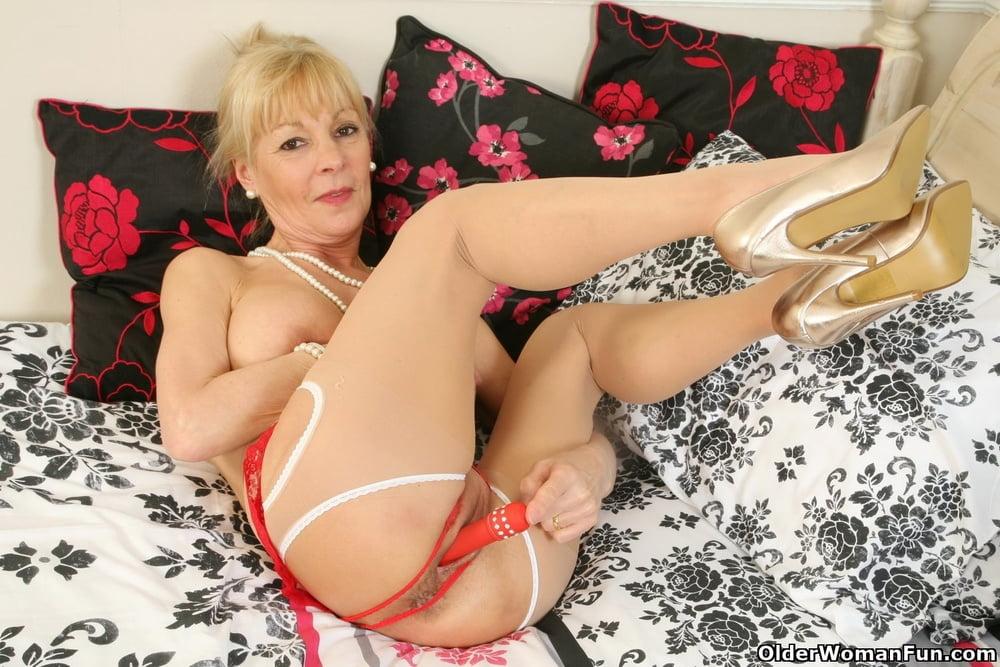 Elaine from OlderWomanFun