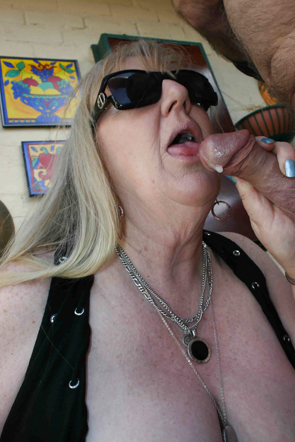 Sexy mature cocksuckers star