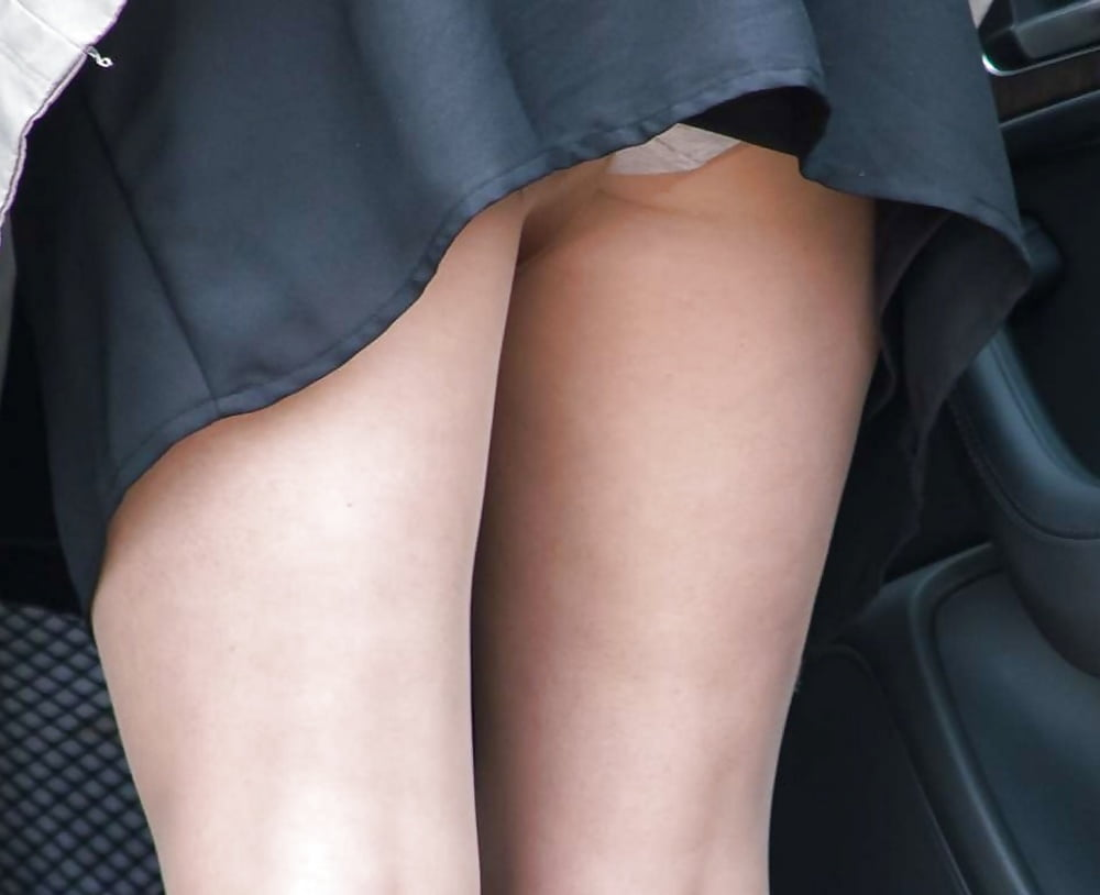 Upskirt leg action — img 10