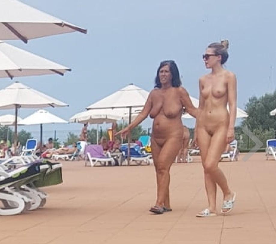 nude-holidays-stories