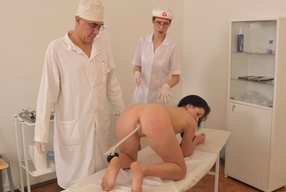 Онаниста секс порно клизма на медосмотре дойки толстушек
