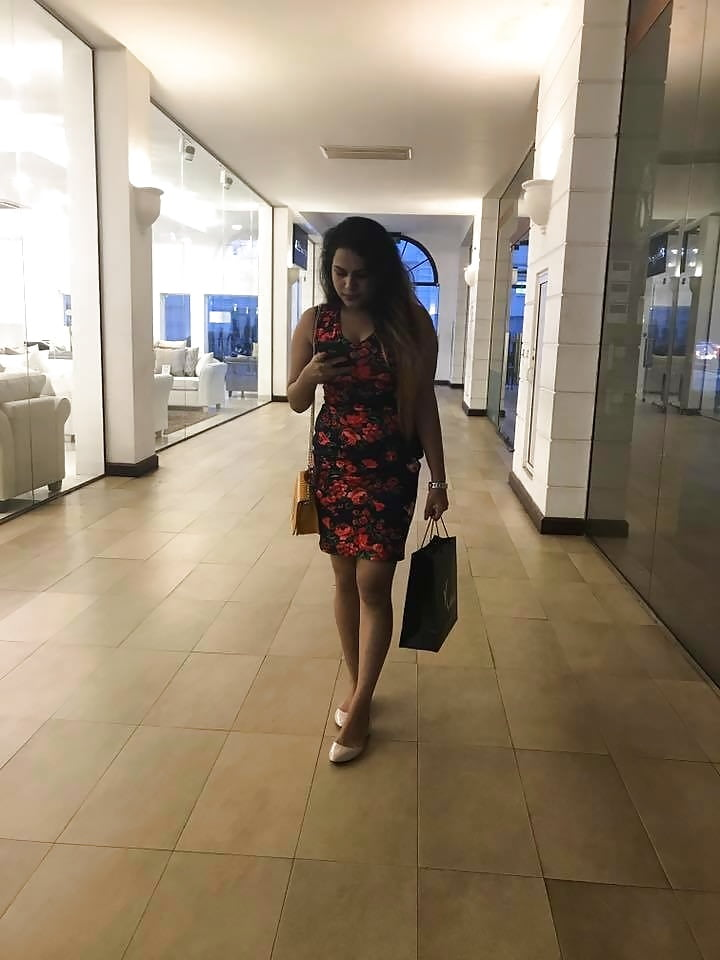 Sexy srilankan school girls