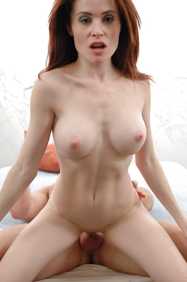 Nude ginger lea, girls get naked together