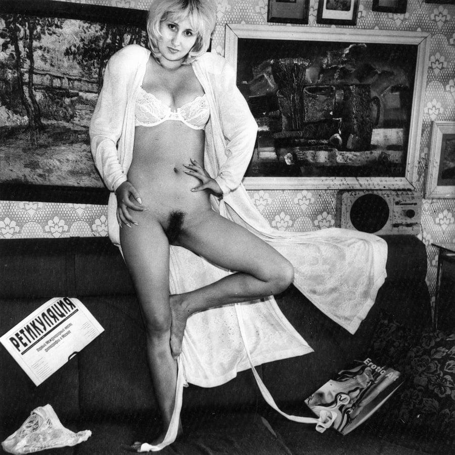 Порно эротические фото времен перестройки миньетчиц лучшее смотреть