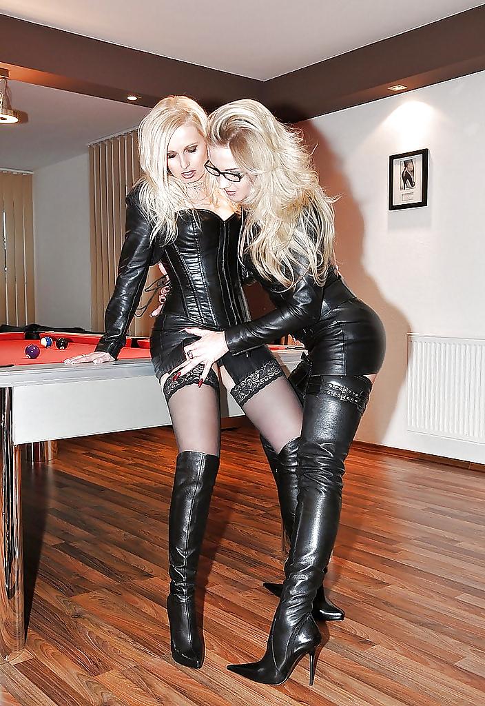 lesbiyanki-visokih-sapogah-foto
