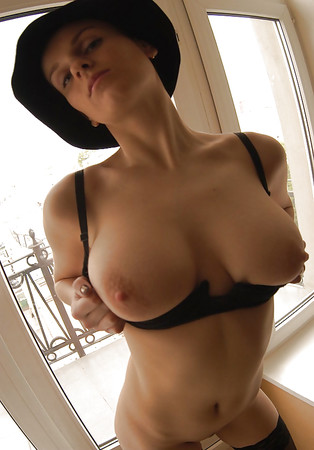 Attractive Nude Swinging Tits Images