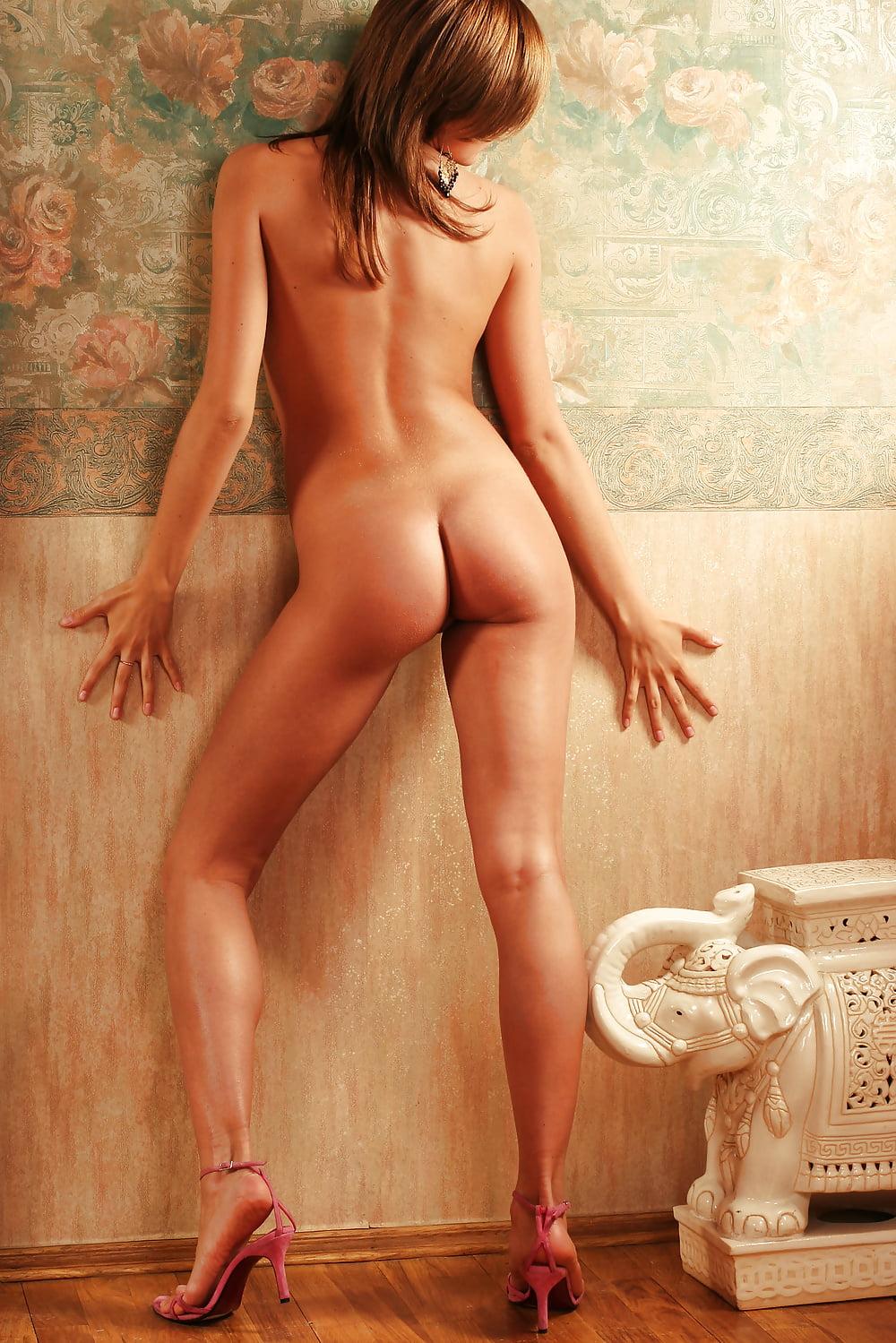 Dasha B Evanna Lynch Nude
