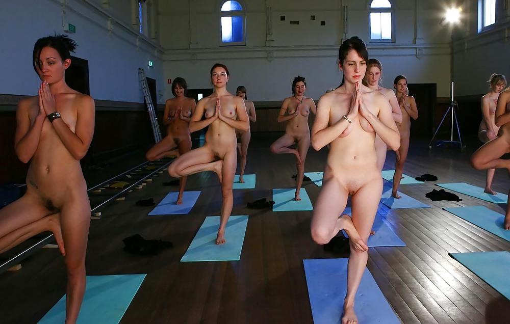 брюнетке тренировки голышом девушки видео хотят
